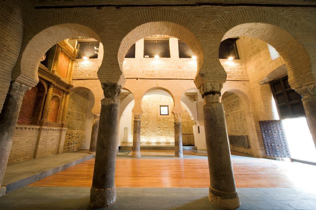 Toledo / Iglesia de San Sebasti�n - Interior II